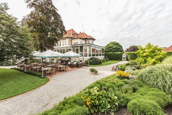 Parkhotel Bilm im Glück / Hotel Hannover / Übernachten; Tagen; Feiern / Freie Trauung im Park / Wellness / Candle Light / Tagung / Veranstaltung / Hochzeit / Trauung